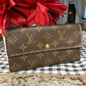 Louis Vuitton Sarah Long Wallet